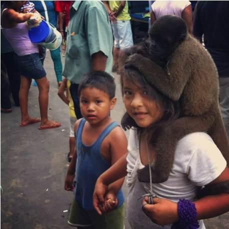 Iquitos-Marche-Belen-Amazonie