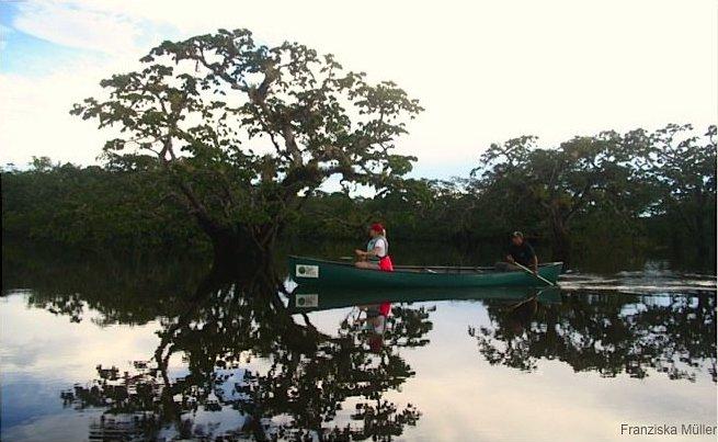 Cuyabeno-Equateur-Canoe