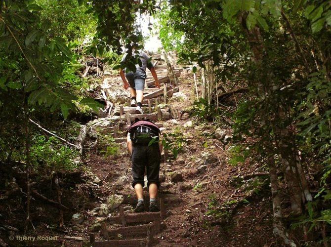 Trekking-Mirador-Guatemala