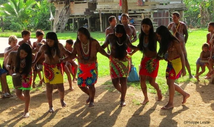 Darien-Danseurs-Embera