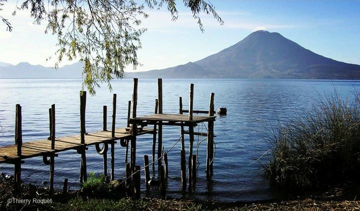 Lac-Atitlan-Guatemala-Ponton